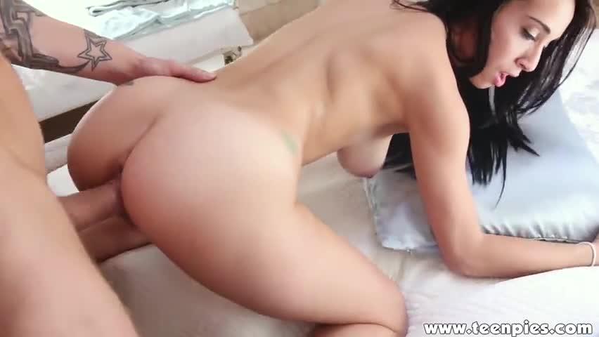 Молоденькая бразильянка порно